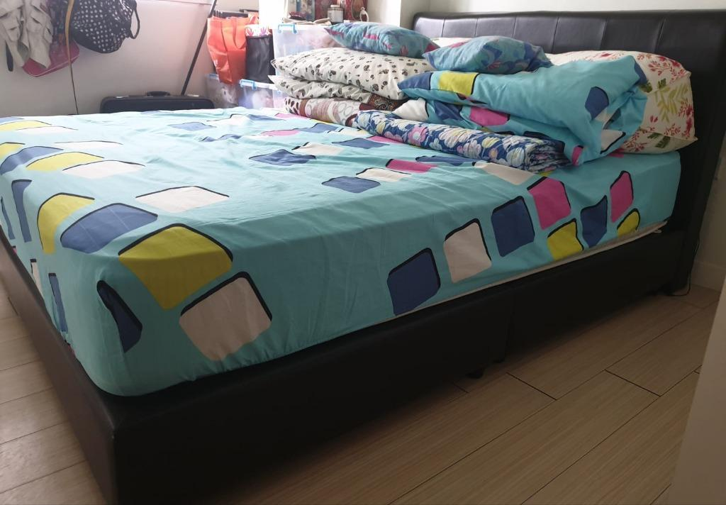 Picture of: Fast Deal Four Star Queen Size Bed Frame For Sale To Collect Btwn 11 13 Sep Furniture Beds Mattresses On Carousell