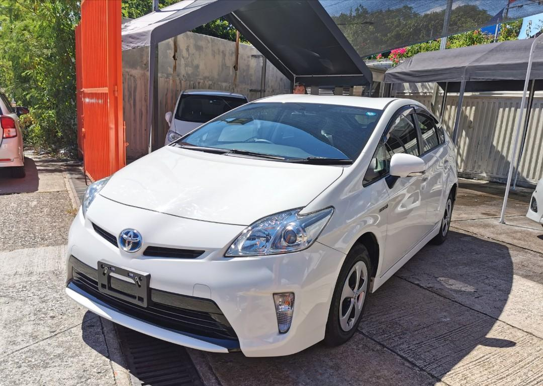 Toyota Prius Facelift 1.8 Toyota Prius Facelift 1.8 Auto