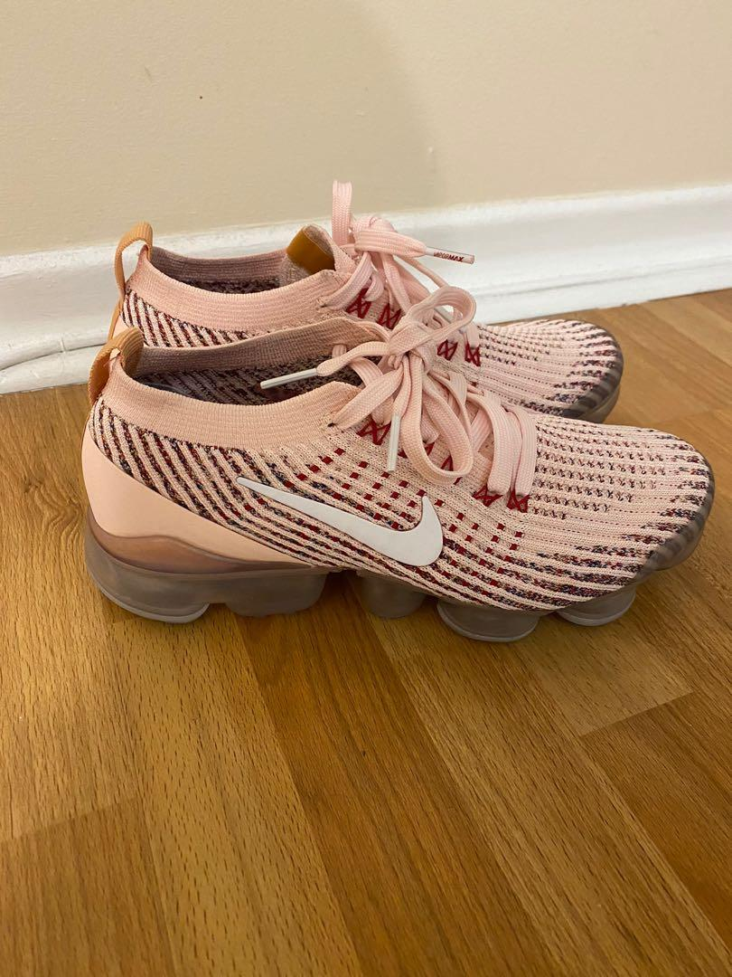 Womens Nike vapormax size 6.5 in peach pink colour