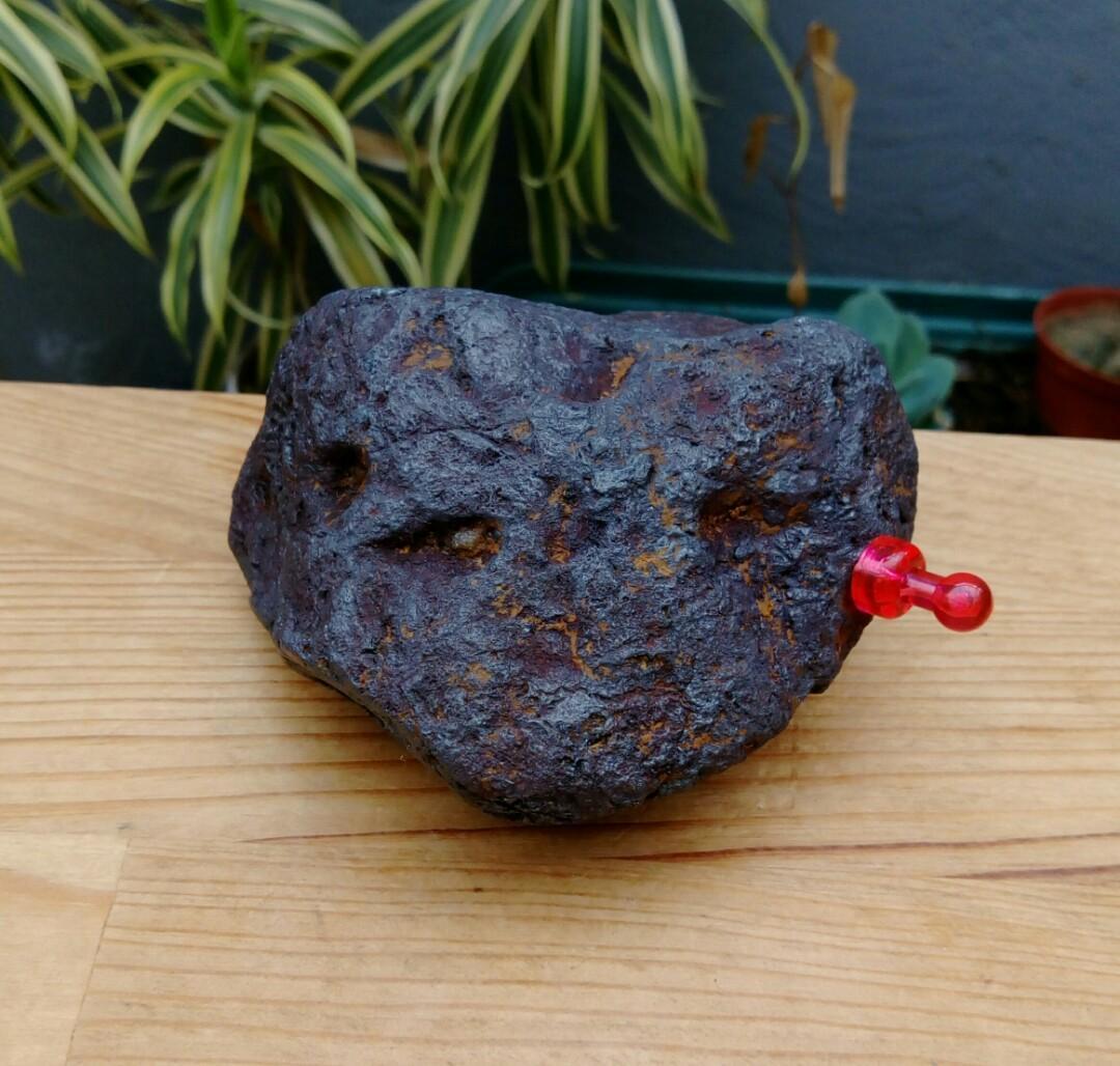 西藏超能量原礦~藏傳天鐵隕石原礦擺件/重約1078公克,已除鏽天然色,天鐵可護身,趨吉,避凶,化煞氣