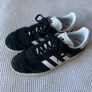 Adidas Gazelle Sneakers - Size 8