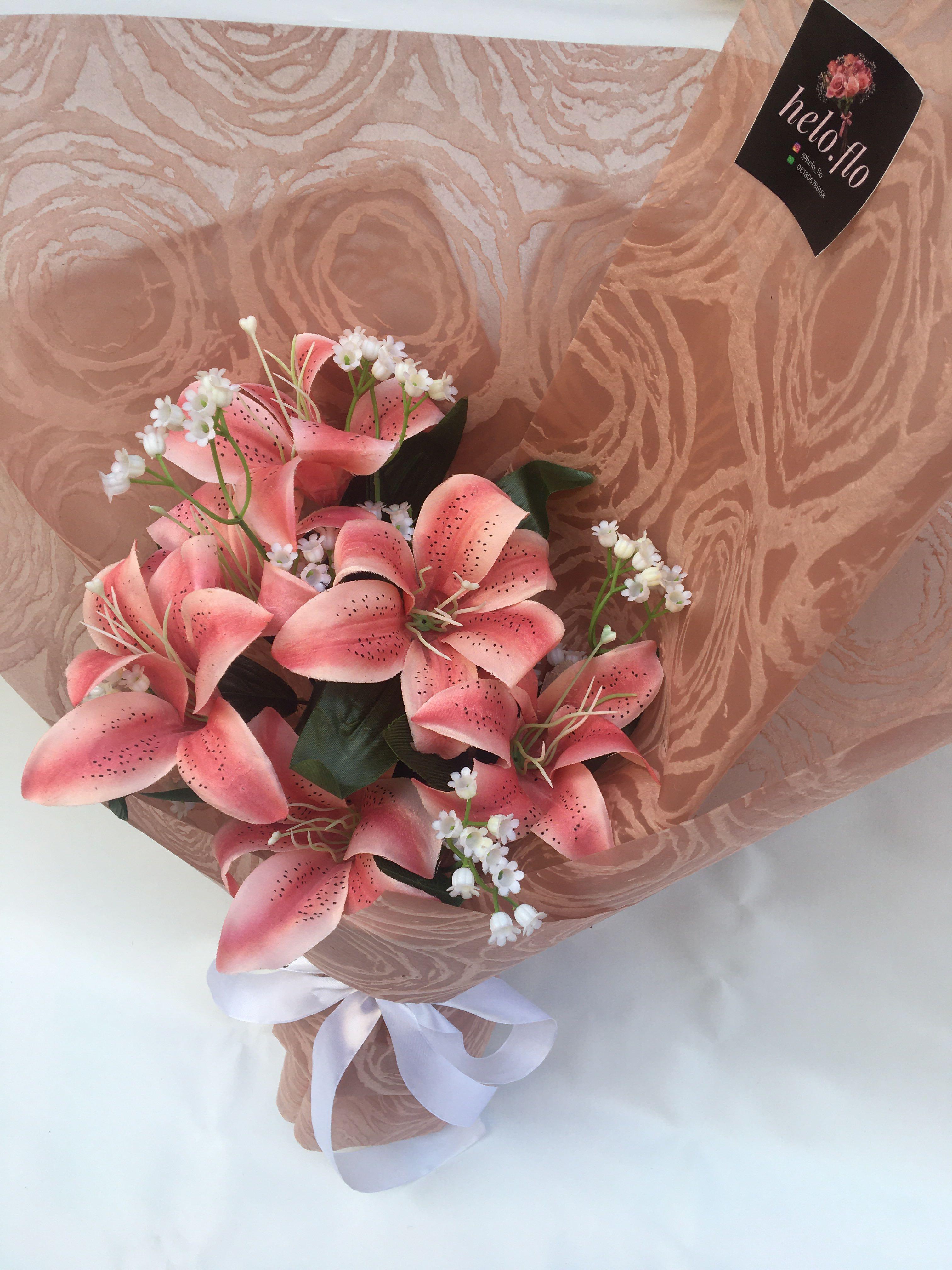 Buket Bunga Lily Pink