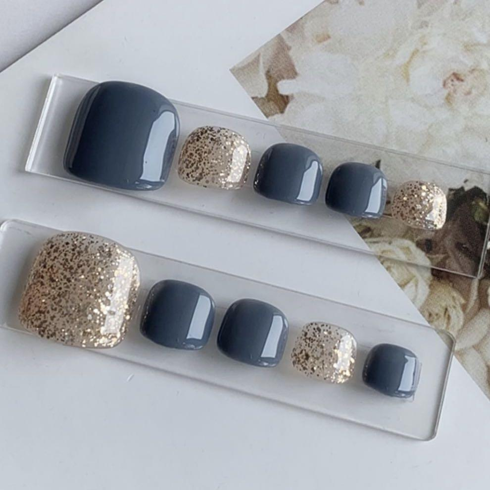 fashion nails for toes - blue/gold