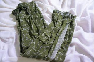 ARMY GREEN SOFT PANTS WITH SLIT