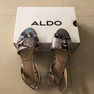 Preloved Aldo Flat Sandals/Shoes