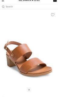 Size 6 Steve Madden sandals never worn, in box