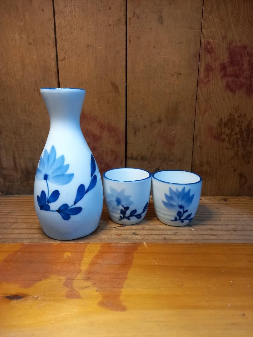🍁 日本清酒壺*1  高13cm,杯*2  高5cm直徑4.5 CM