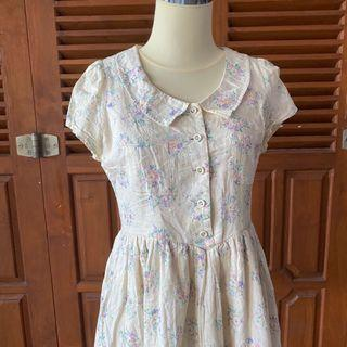 Floral dress with a pocket