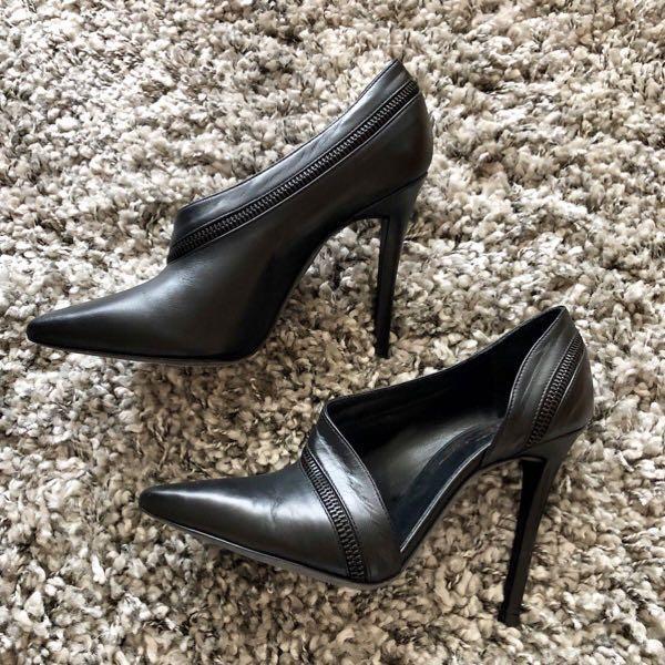 Jolie New Pumps