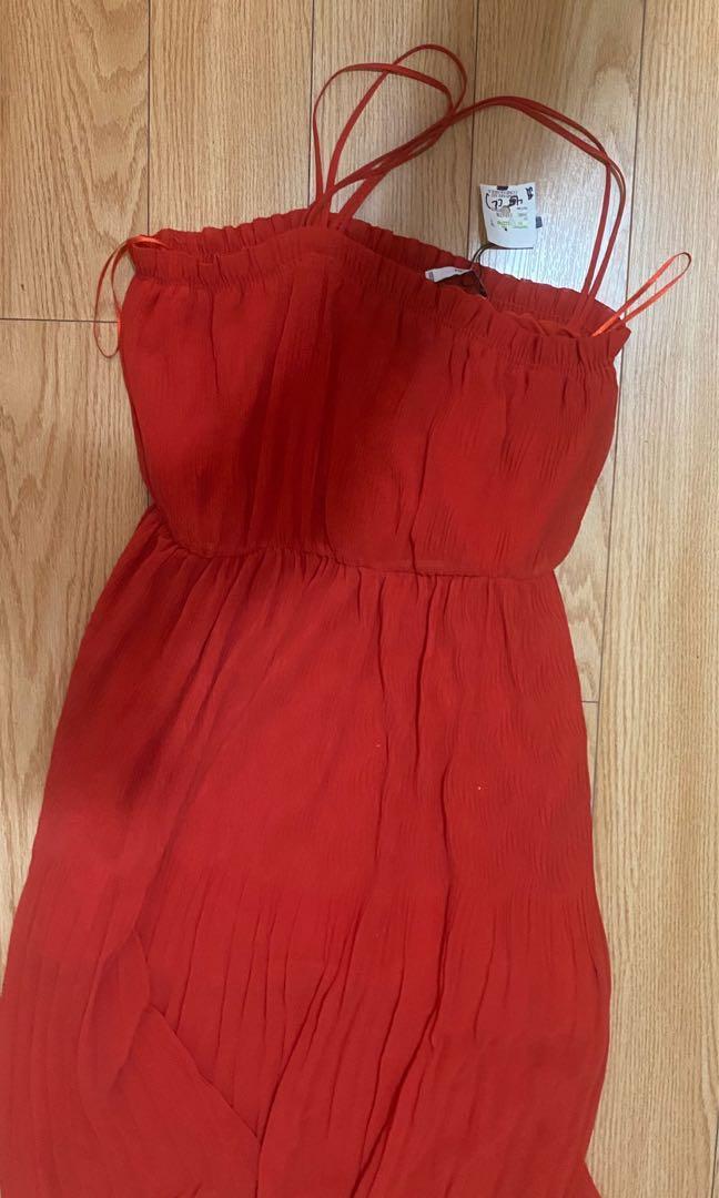 Red dress size L