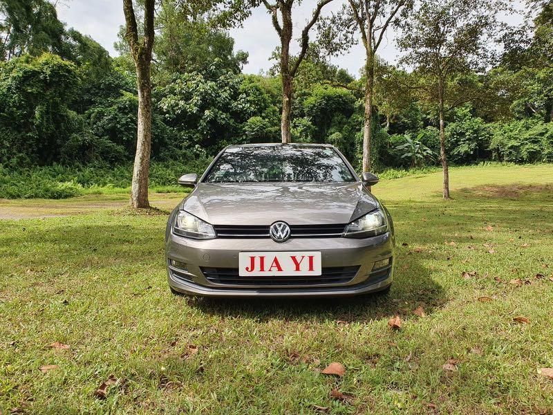 Volkswagen Golf 1.4A TSI sunroof Auto