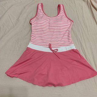 [二手僅穿1次]‼️全賣場🈵️500免運‼️泳之美 女大人 一件式泳衣 泳裝 粉紅條紋 M  台灣製 Swimsuit