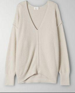 ARITZIA Wilfred Free Relaxed V Neck Sweater