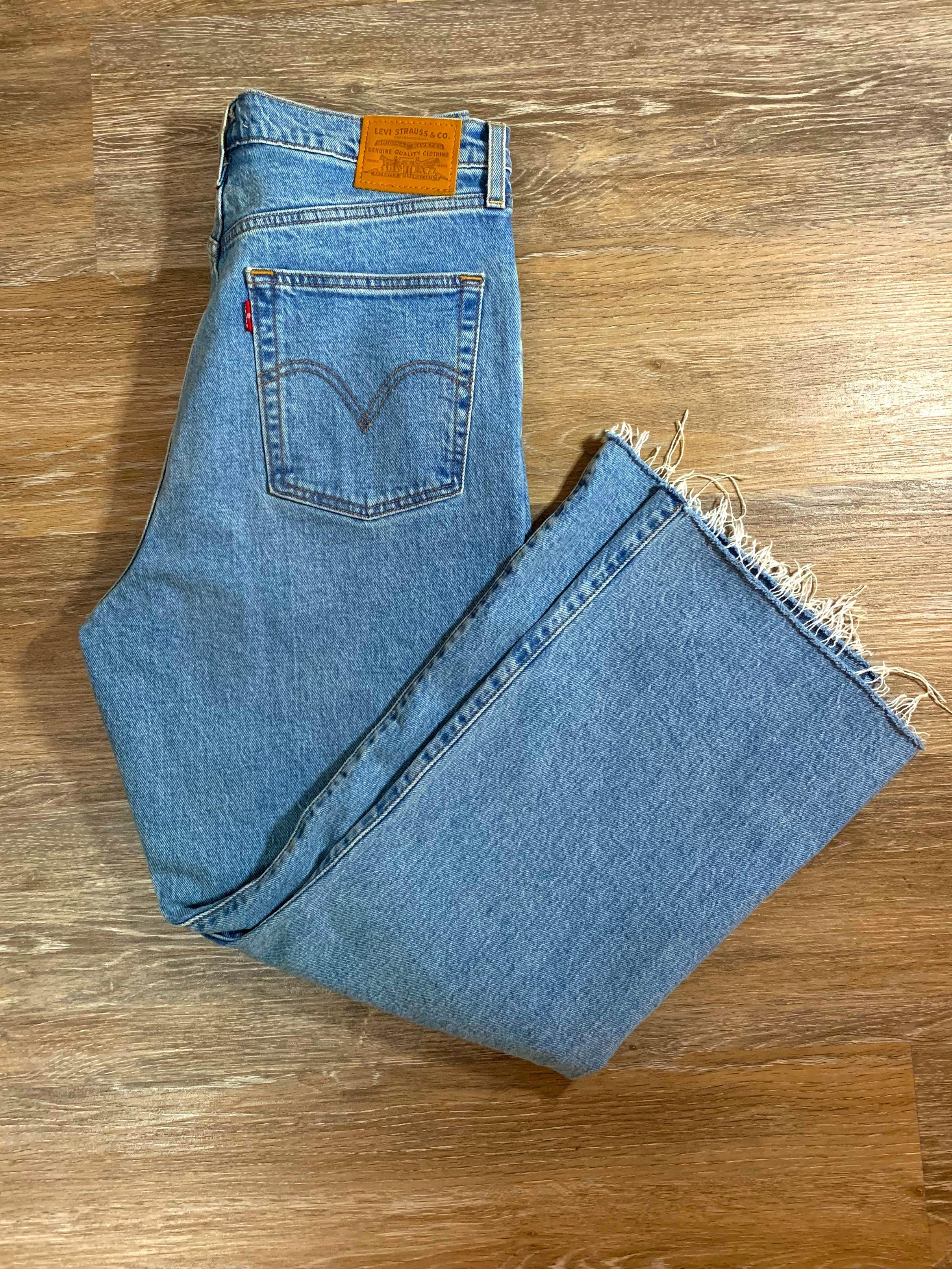 Levi's Ribcage Crop Flare Jeans
