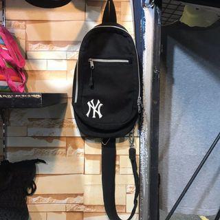 NY Sling bag