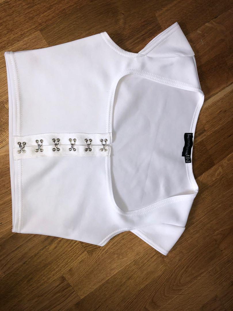 PRETTYLITTLETHING hook top