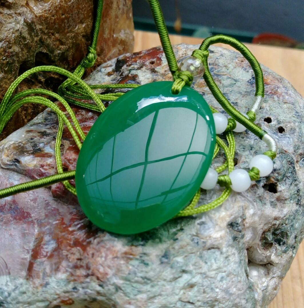 原礦原石老珍藏/西藏綠玉髓玉墜鍊/質地水頭好超漂亮,珍藏品出清688元