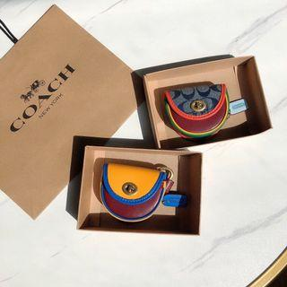 COACH 3727 5432 超夯新款 鑰匙扣 耳機包 掛飾 小巧可愛 時尚新穎 附購證