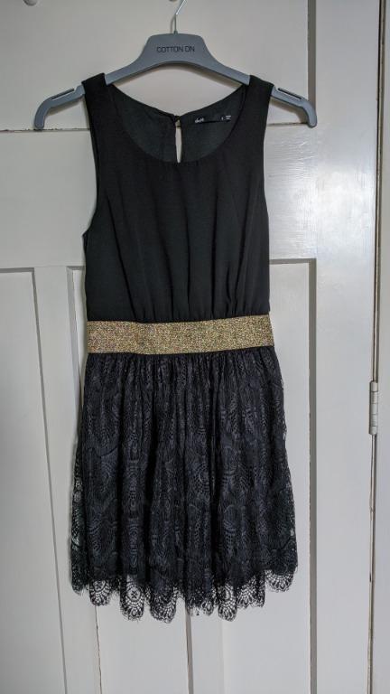 Cute dotti black dress