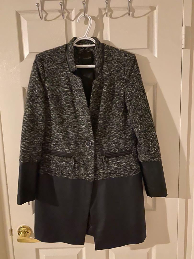 DYNAMITE  Black Coat (size Small)