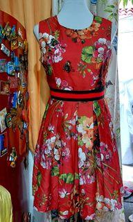 GUCCI Floral Dress, (worn once, good as new) medium size (30 waistline)