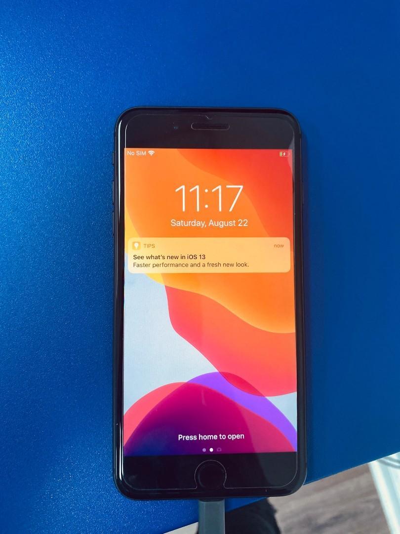 iPhone 8 plus black 128gb