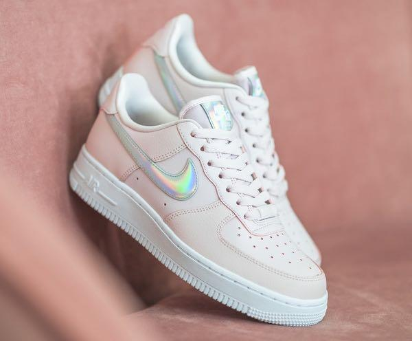 Nike Air Force 1'07 Baby Pink