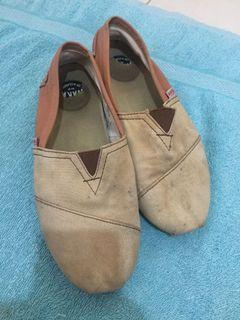 Sepatu Wakai ukuran 39