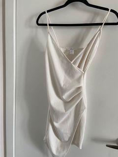 White Kylie slit dress size S