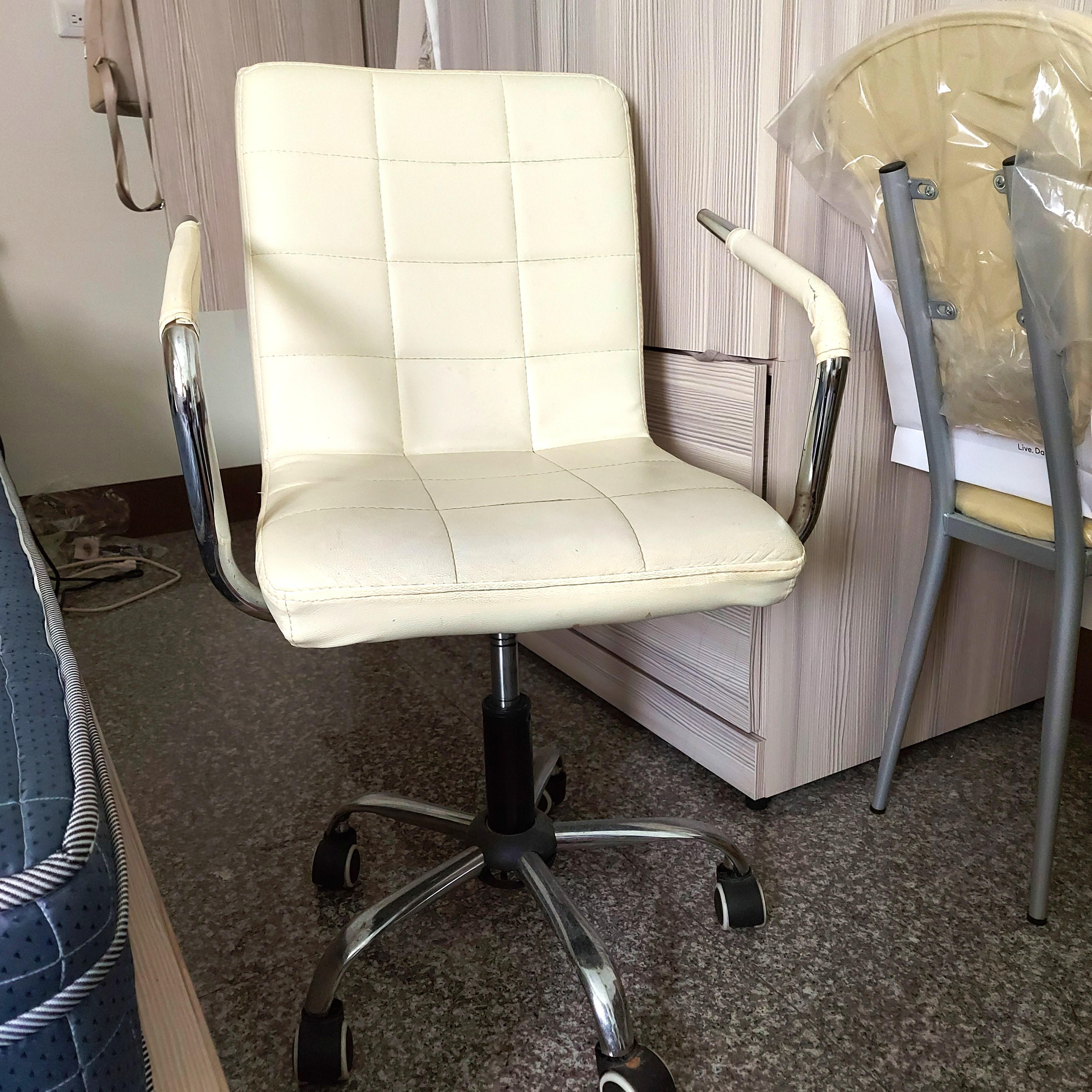 ●彰化市免費自取●米白可調式電腦椅/6成新