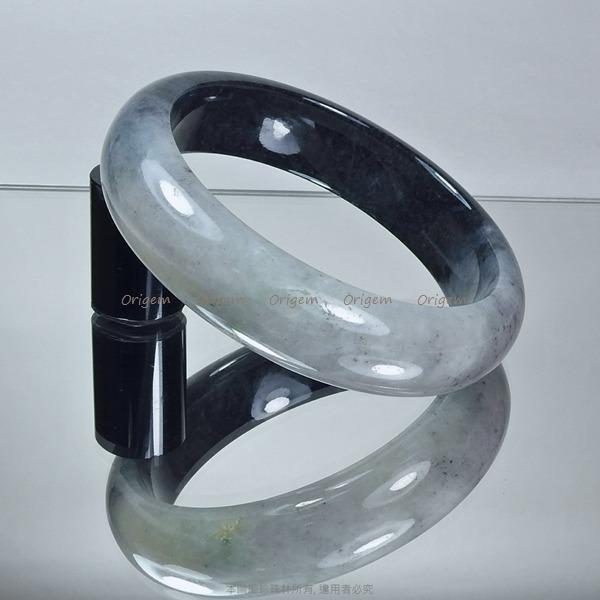 珍珠林~出清特賣~小瑕疵大特價~加寬板經典圓玉鐲.天然A貨墨翠(內徑61.5mm, 手圍20號半) #333
