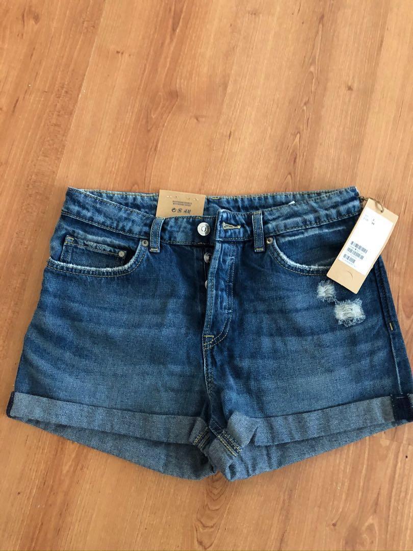 H&M Brand New Boyfriend Jeans