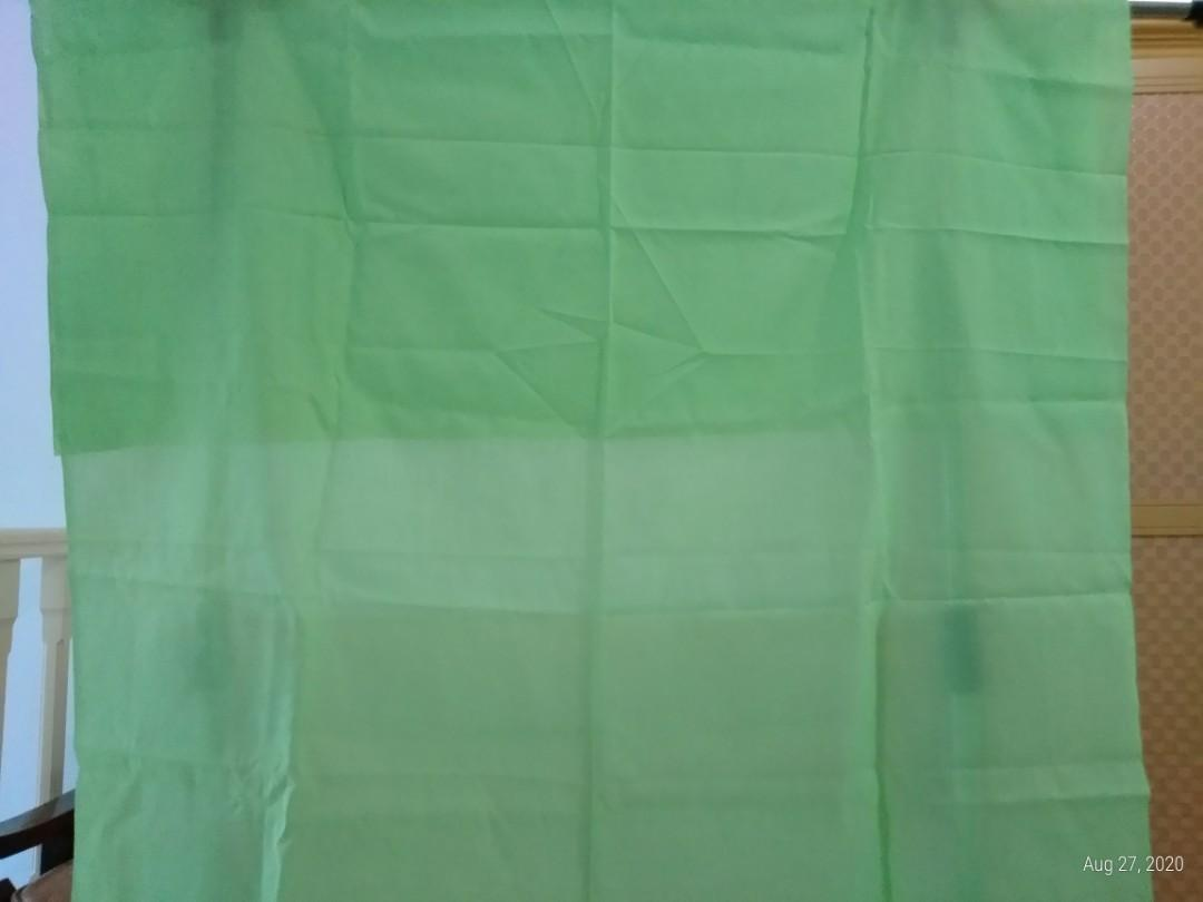 Kain katun hijau polos (110 x 148)