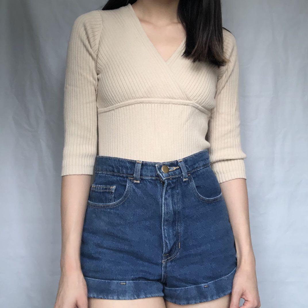 Knit 3/4 sleeve ribbed v-neck sweater