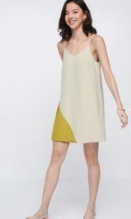 Love Bonito Azhta Contrast Pleated Dress