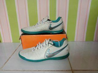 Sepatu futsal Nike Legend Original