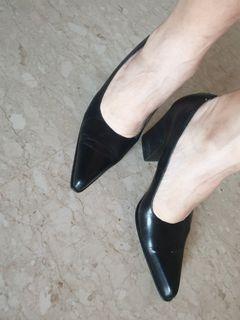 Vintage black heals 10cm.
