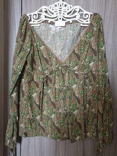 Preloved Zara RTF Green V neck top
