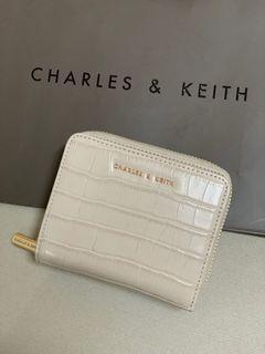 24快速出貨🚚 極新 CHARLES&KEITH 鱷魚紋 短夾 女款 錢包 小ck短夾