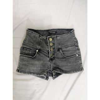 [台北東區]黑色高腰牛仔短褲 熱褲 #收假