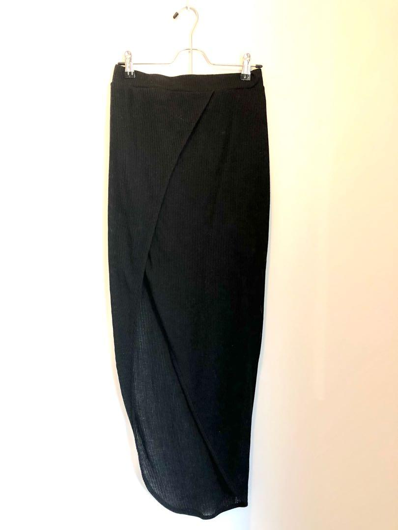 Drapes slit skirt midi length