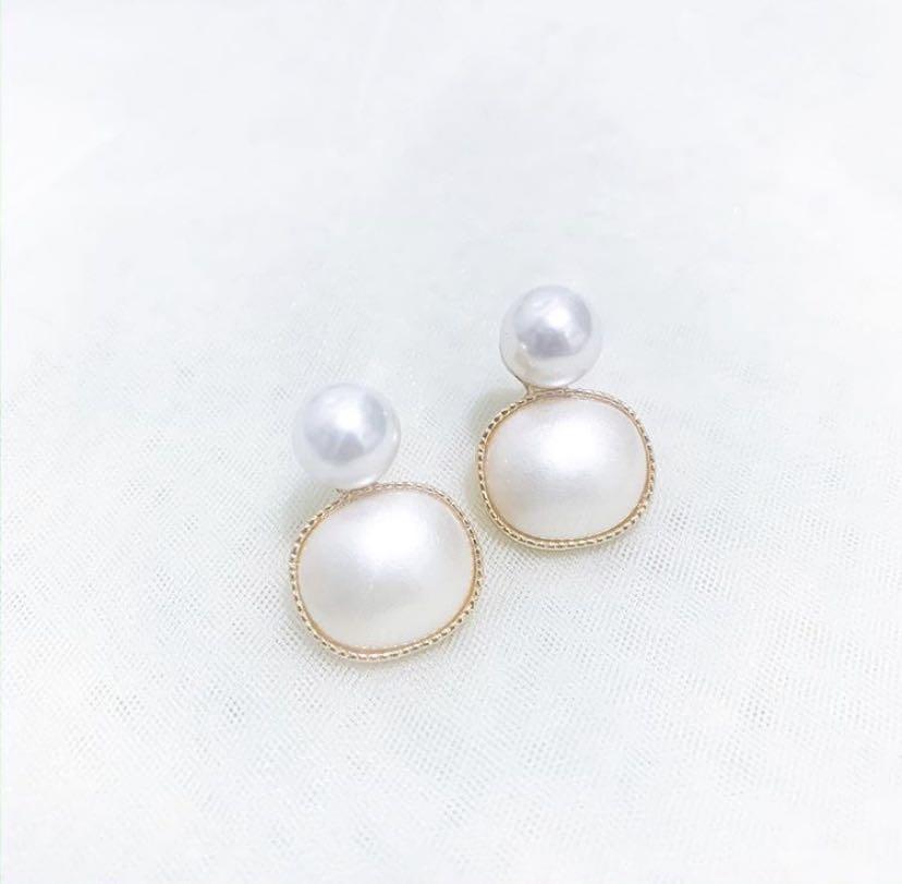 Fancy pearl earrings