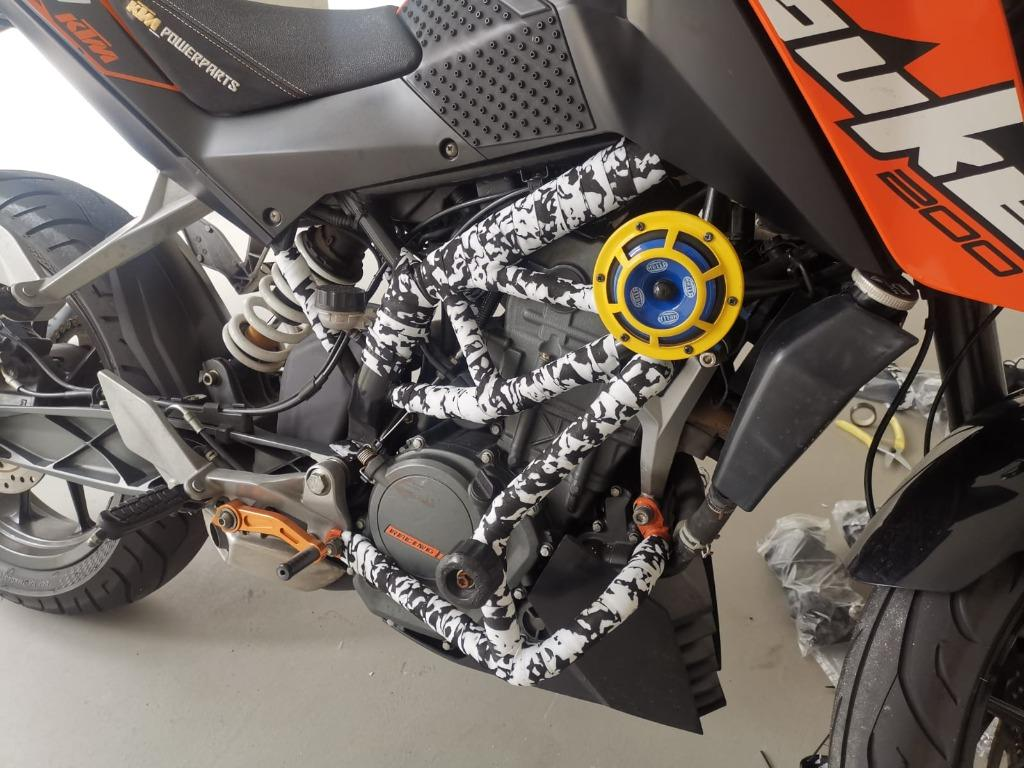 Ktm Duke 200 Crash Bar Wrapping Services Motorcycles Motorcycle Accessories On Carousell