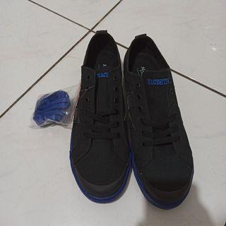 Macbeth Vegan Product blue black kondisi new stok lama ex ekspor