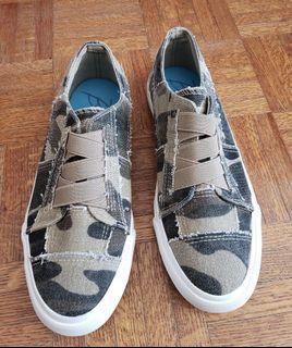 Blowfish Shoes - Women (Brand New)