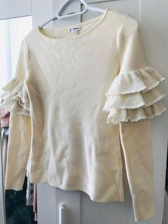Club Monaco ruffle sleeve sweater size XS