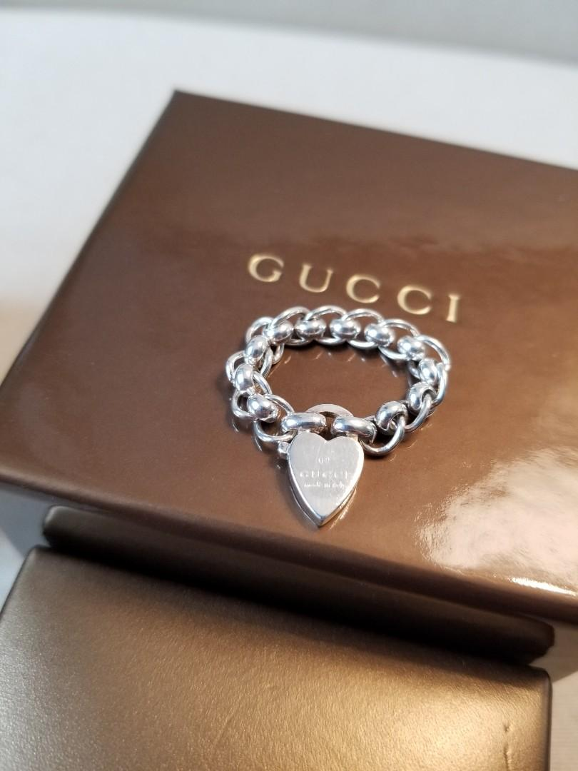 GUCCI Heart Tag Chain Ring