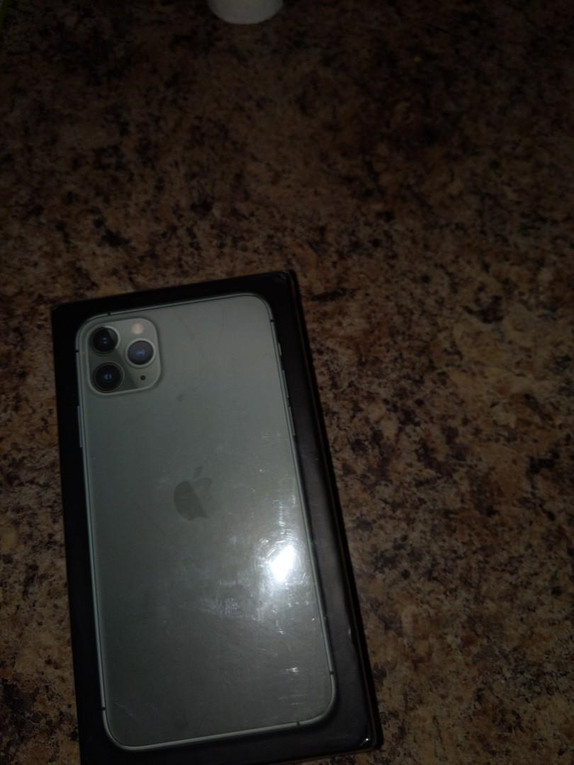 iPhone 11 pro Max 256 gigs