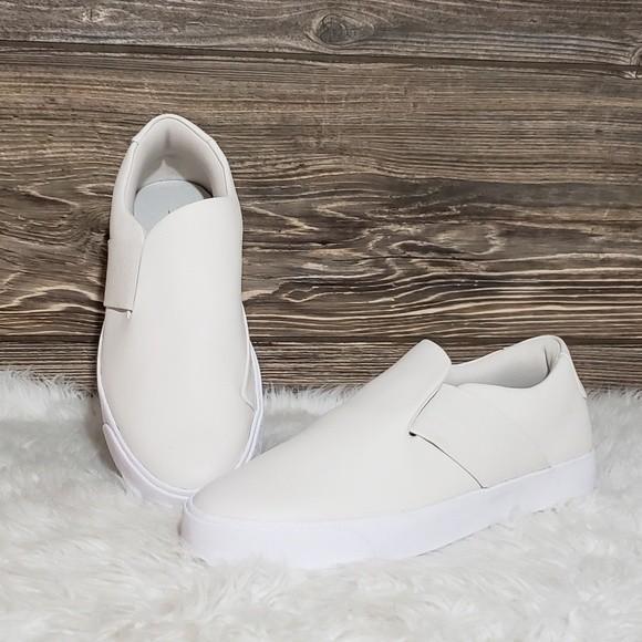Nike Blazer City Ease Slip Ons (Size 6)