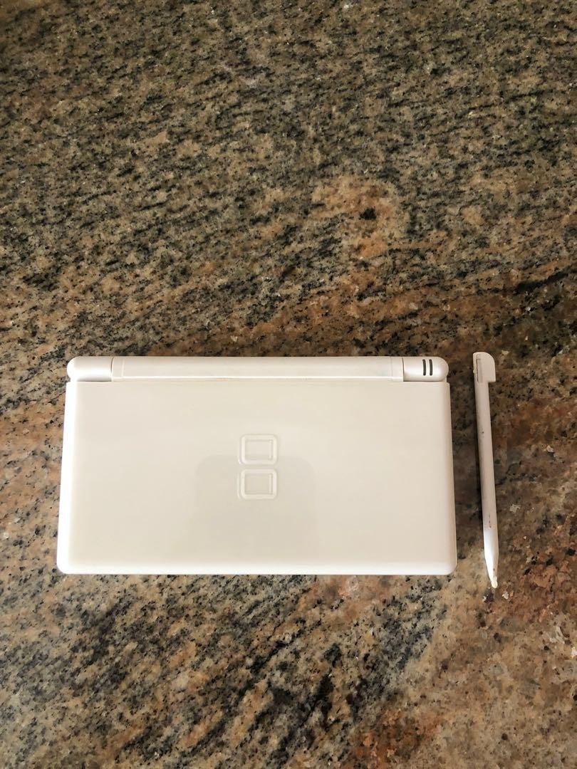 Nintendo DS Lite with AC Charger USG-001- Polar White - VERY GOOD CONDITION